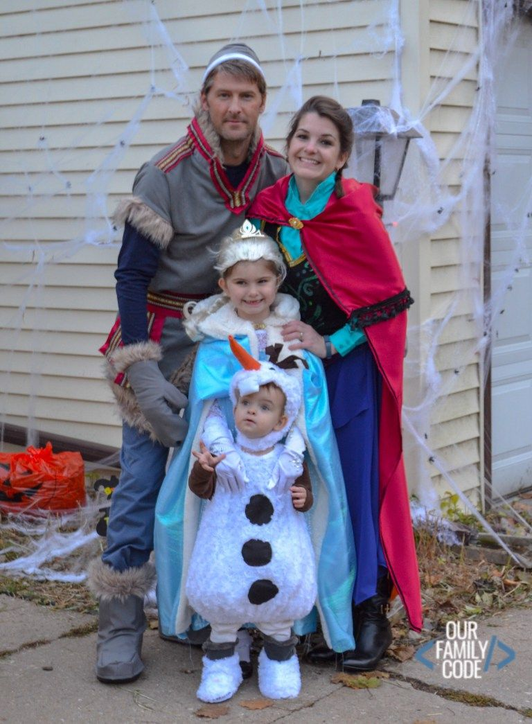 Halloween Costumes Easy Elsa 2020 DIY Frozen Costumes for the Whole Family for Halloween | Themed
