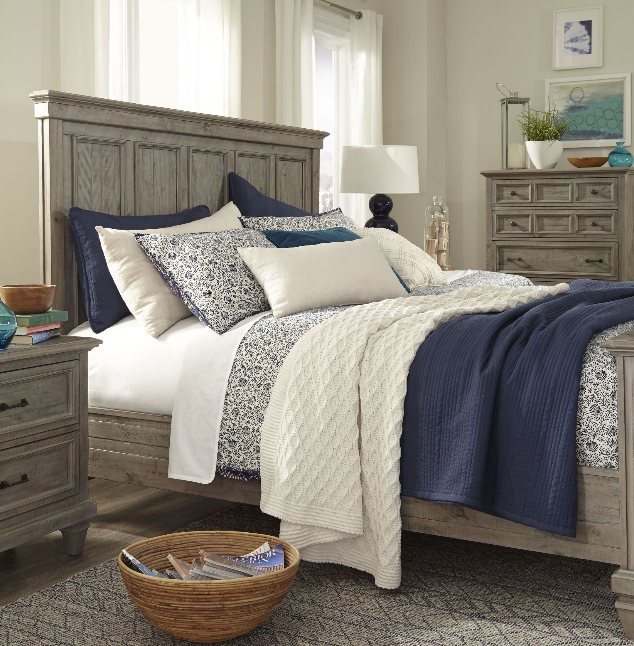 Best Lancaster Dovetail Grey King Panel Bed Panel Bed 640 x 480