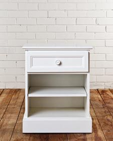 CLASSIC 1 DRAWER BEDSIDE TABLE
