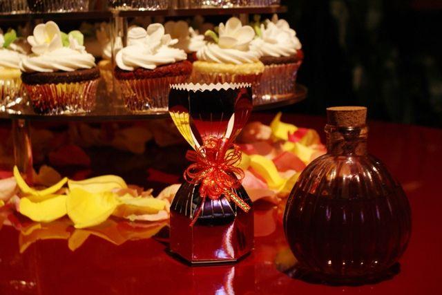 Unique Unity Ceremony Idea: Honey Ceremony