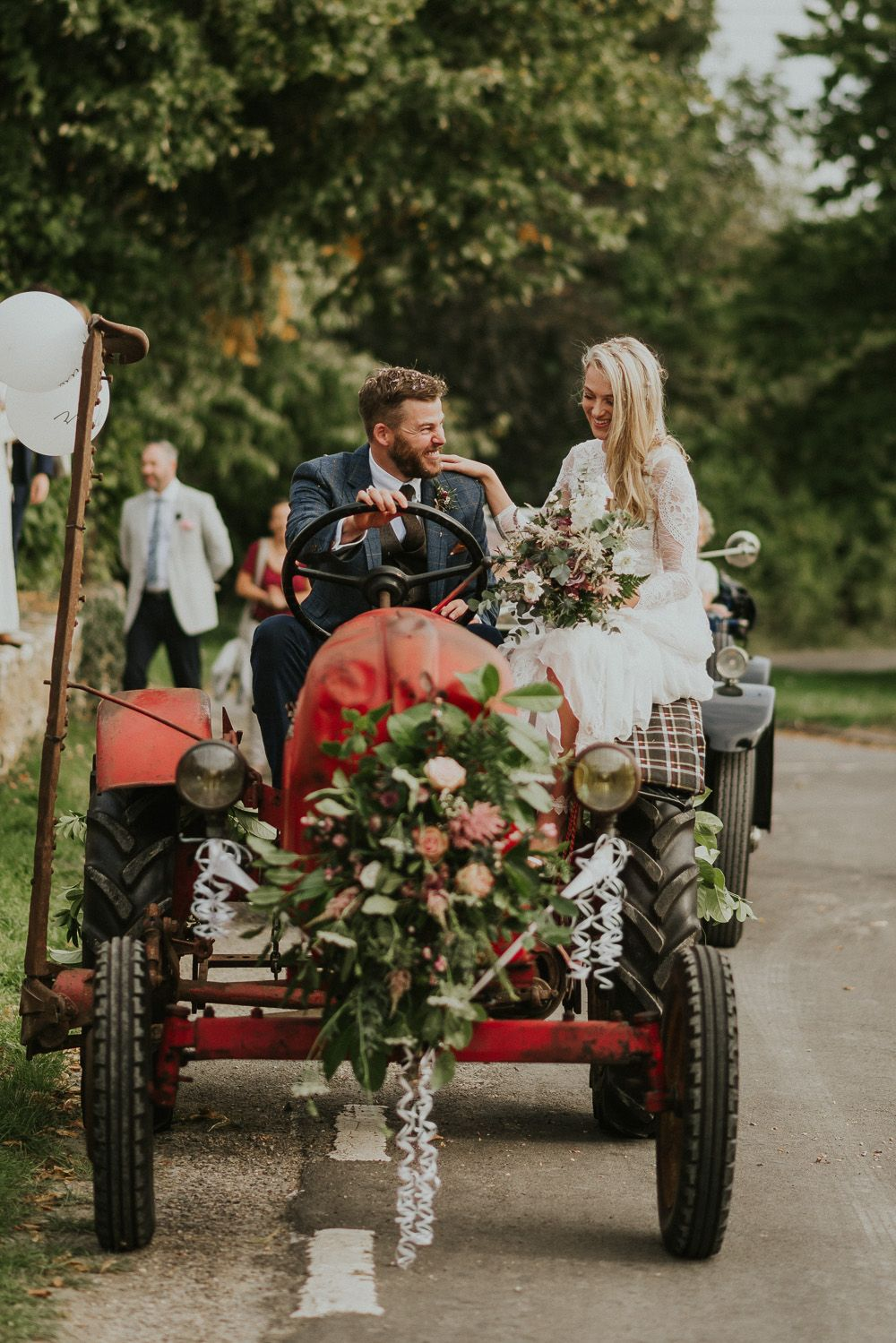 Fonkelnieuw Family Home Wedding In The Cotswolds With Vintage Porsche Tractor ZX-89
