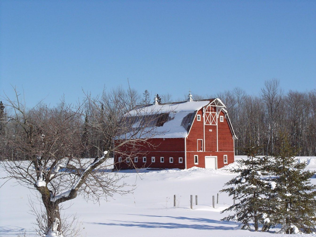 Red Barn In Winter Barn Stables Old Barns Barn Photography