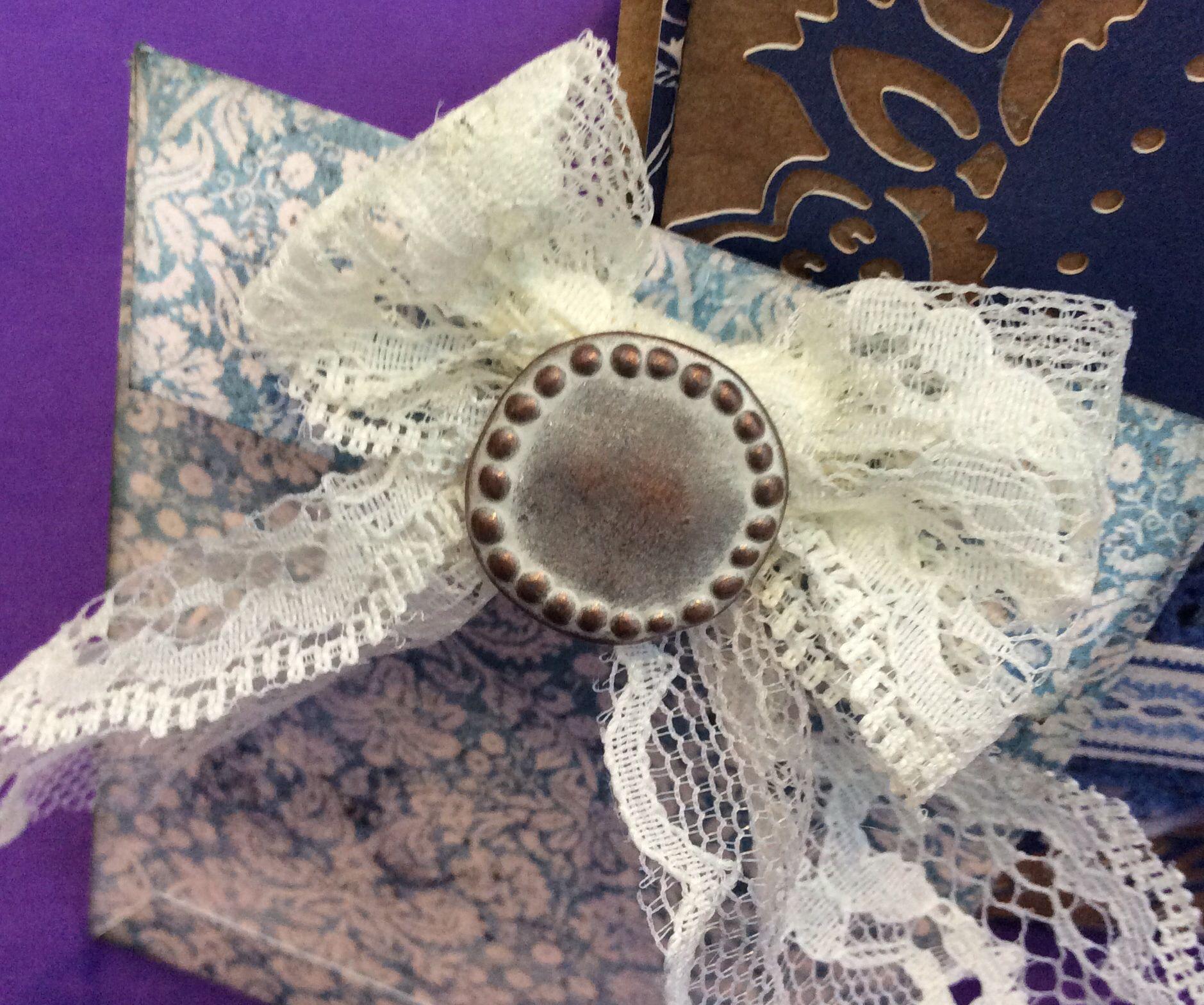 Reverse decoration on Madame Payraud gift voucher wallet