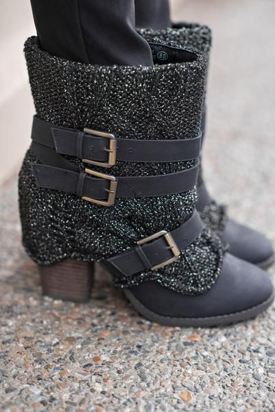 Sweater Sweat Me Buckle Boots (Black)