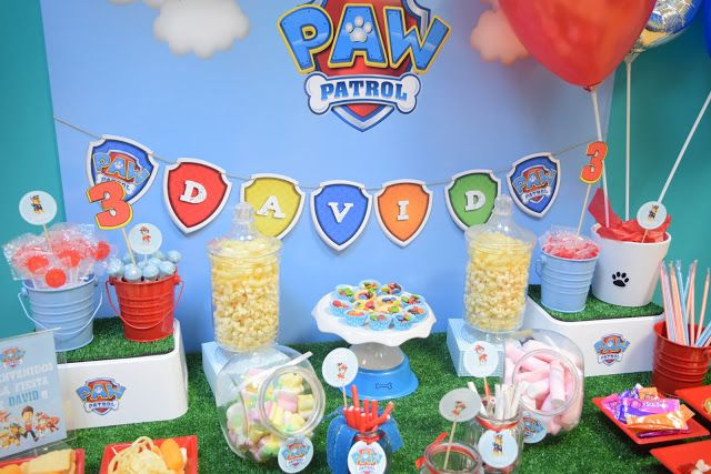 Mesa de chuches candy bar de la patrulla canina a todo - Mesa patrulla canina ...