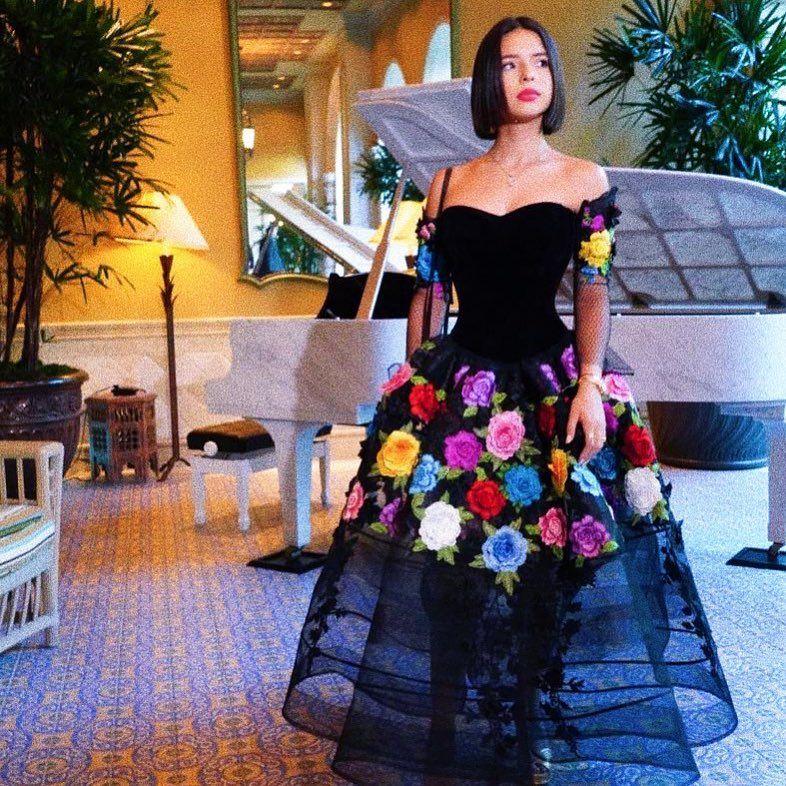 Probablemente Ya De Mí Te Has Olvidado Y Mientras Tanto Yo Te Seguiré Esperando Vestidos Florales Vestidos Mexicanos Vestidos Prom