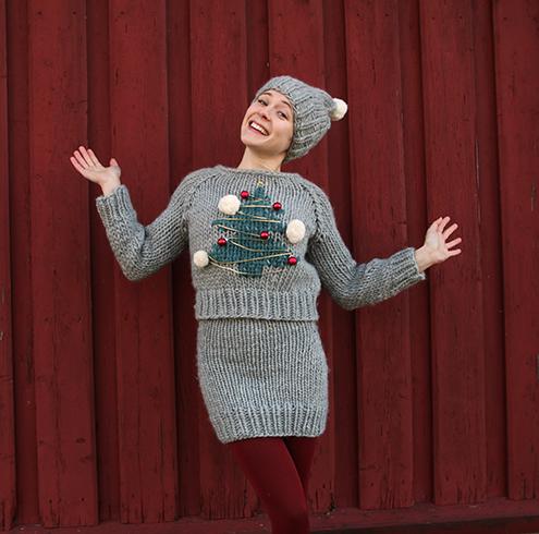 e8e02cce Pynt deg til jul med et komplett julesett med strikket julegenser,  miniskjørt og lue laget