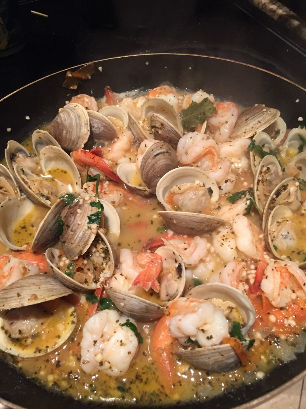Shrimp and little neck clam scampi Recipe coming soon on  Twrbeauty.com
