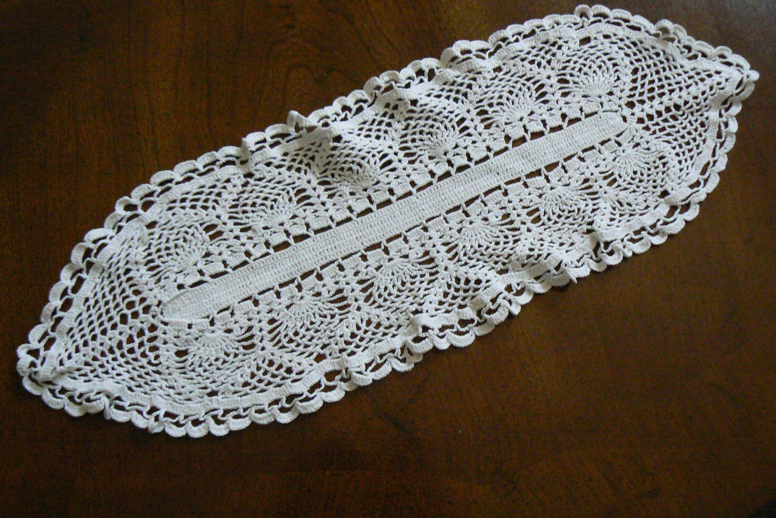 Antique Vtg Crochet Lace Table Runner Doily Center Mat Dresser Decor