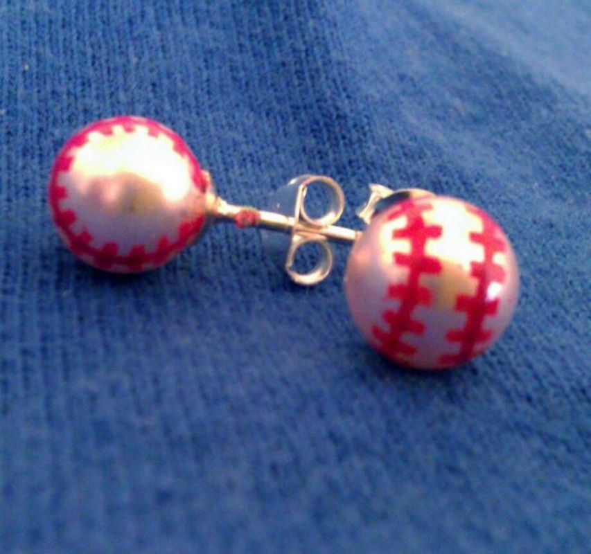 Baseball Post Earrings  The Gameday Girls DIY, get pearl or silver ball studs   Red, magic marker, maybe fingernail polish, or an acrylic paint   Not sure which will work best   Paint stitches and then you could spray a clear coat MMMM is part of Baseball jewelry -
