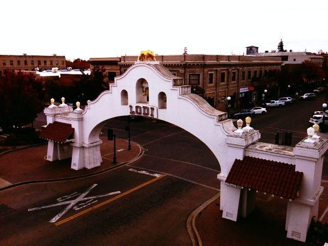 Pine Street Arch of Lodi, CA