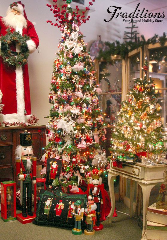 Nutcracker Ornaments And Decor For The Nutcracker Suite Collector Nutcracker Christmas Decorations Nutcracker Christmas Tree Christmas Tree Decorations Ribbon