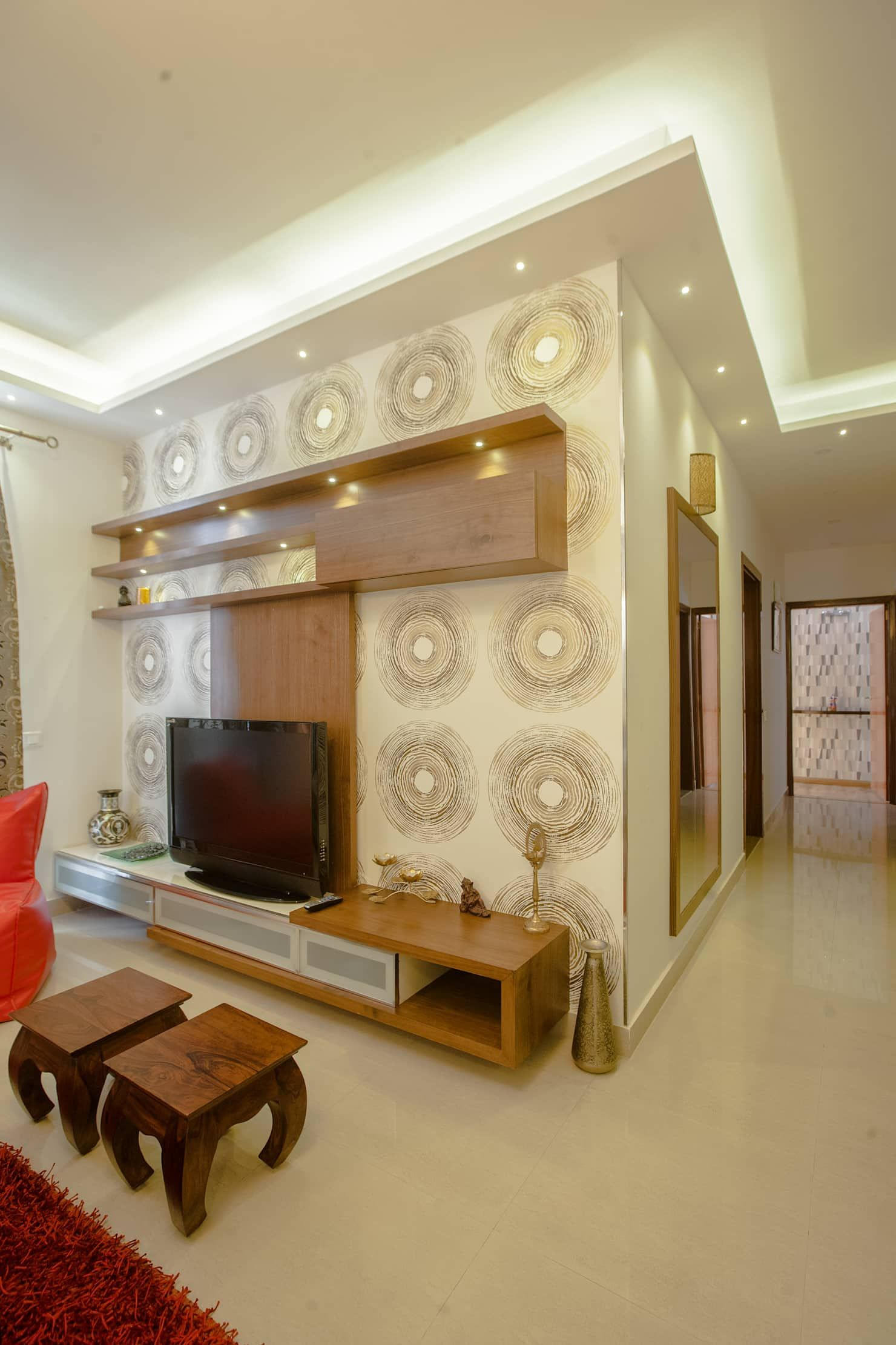 Living Room Lcd Tv Wall Unit Design Ideas: 3 Bhk Partement Classic Style Living Room By In Built