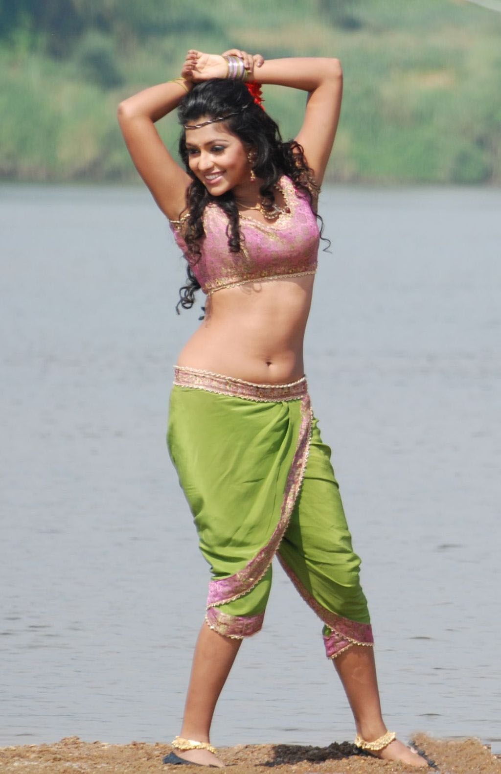 Amala Paul Sex Movie pin on married indian beauties