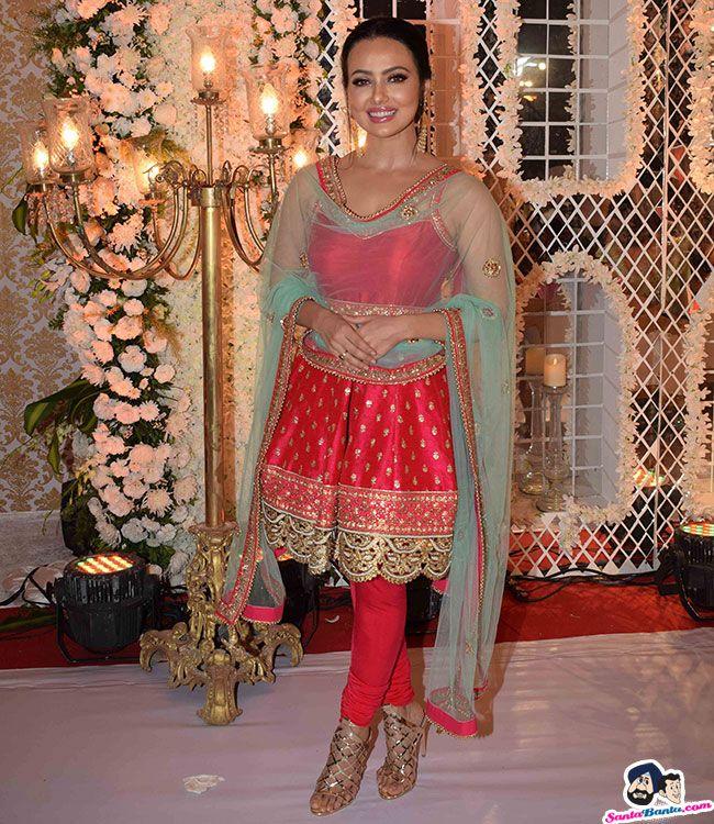 Sana Khan Celebrities female, Sana khan, Indian celebrities