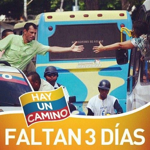 """mybritishdreams:    """"Cada vez son miles y miles y miles, cada vez son miles queestáncon Capriles"""""""