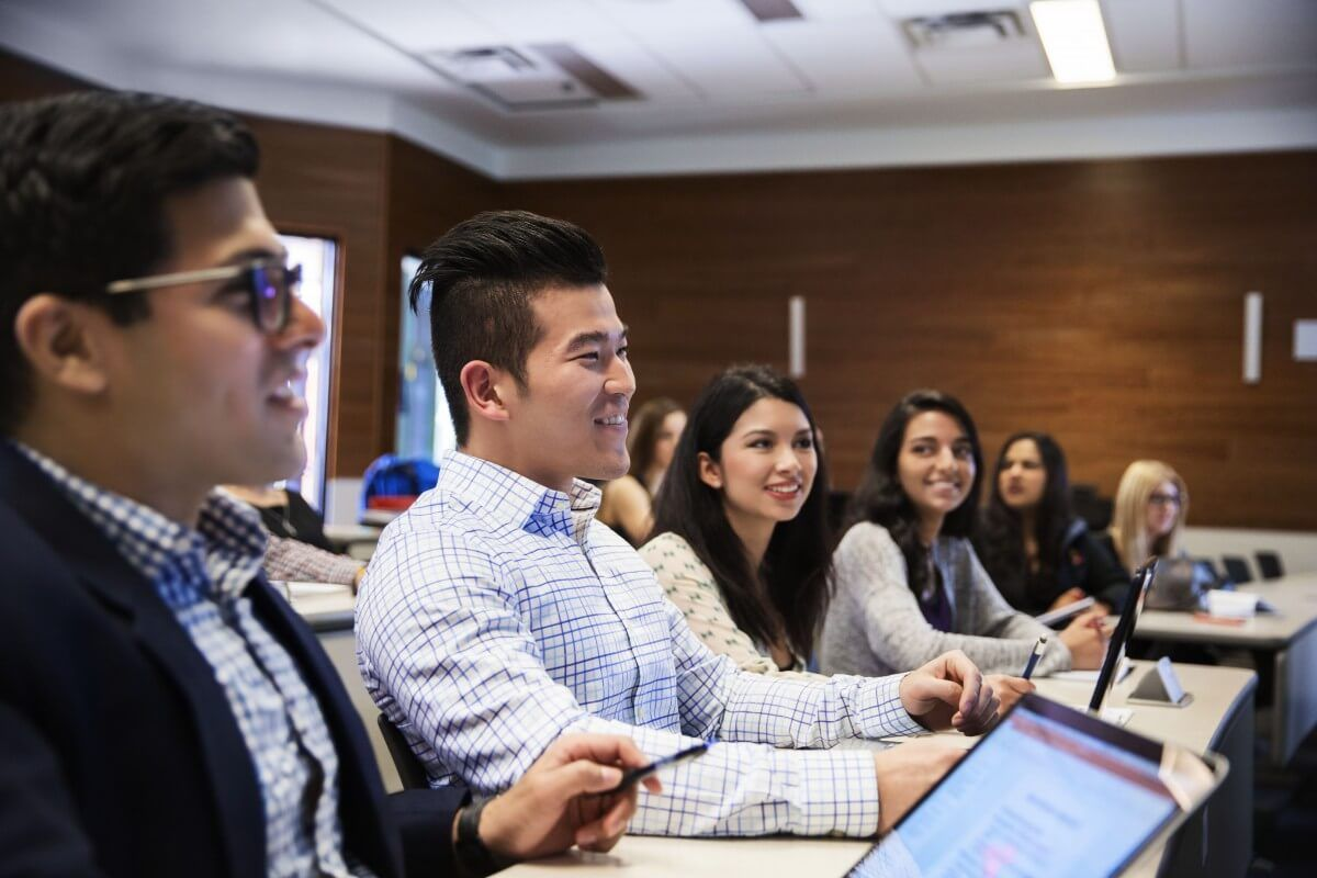 Canadian universities that help business students adapt to