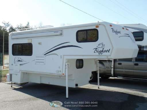 Check out this 2005 Bigfoot Rv 3000 Series 10 11FR listing in