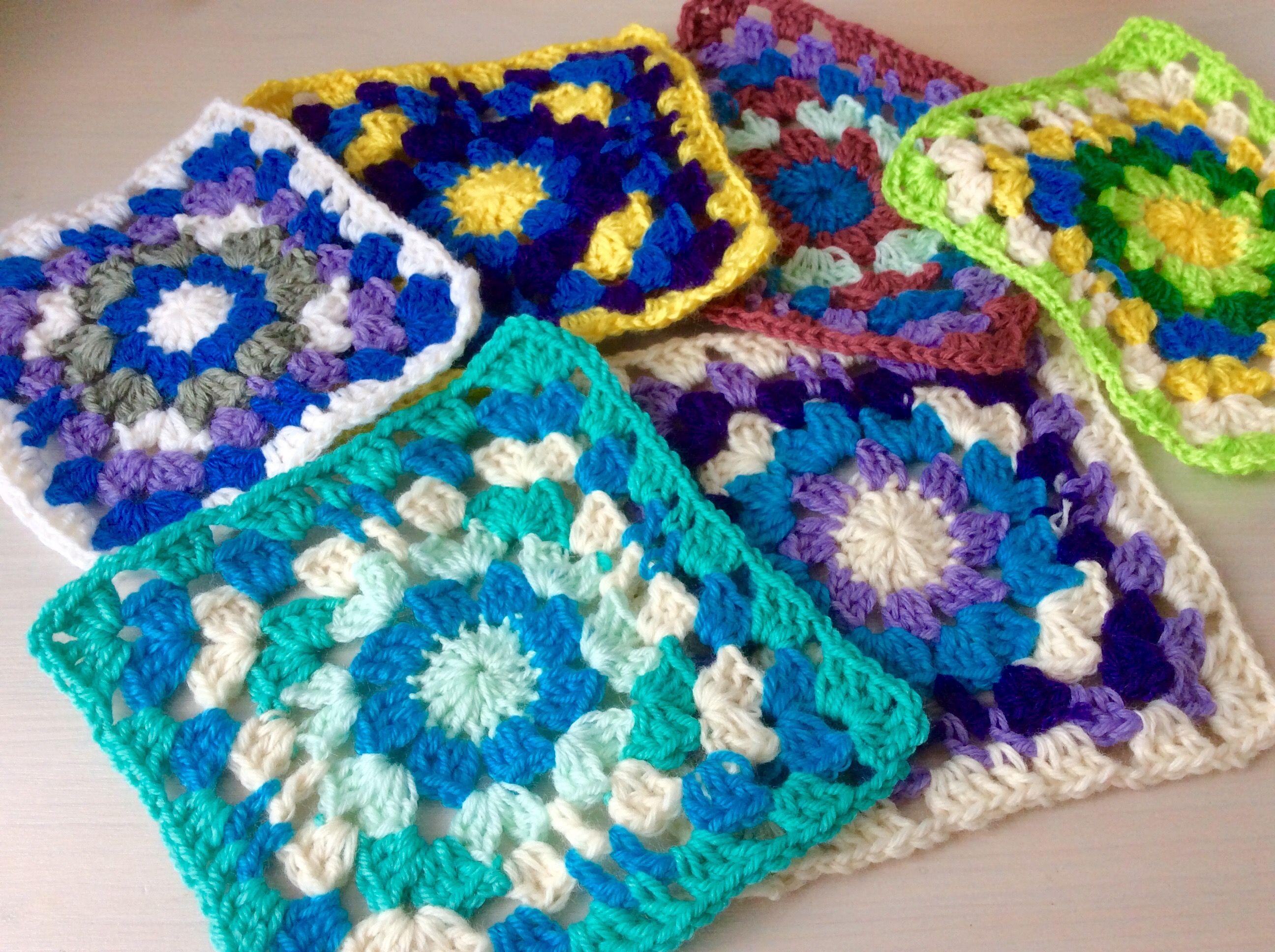 Mattonelle all uncinetto per coperta coperta di lana