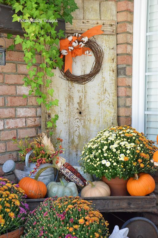 Fall Vintage Wagon decor - Housepitality Designs Fall porches