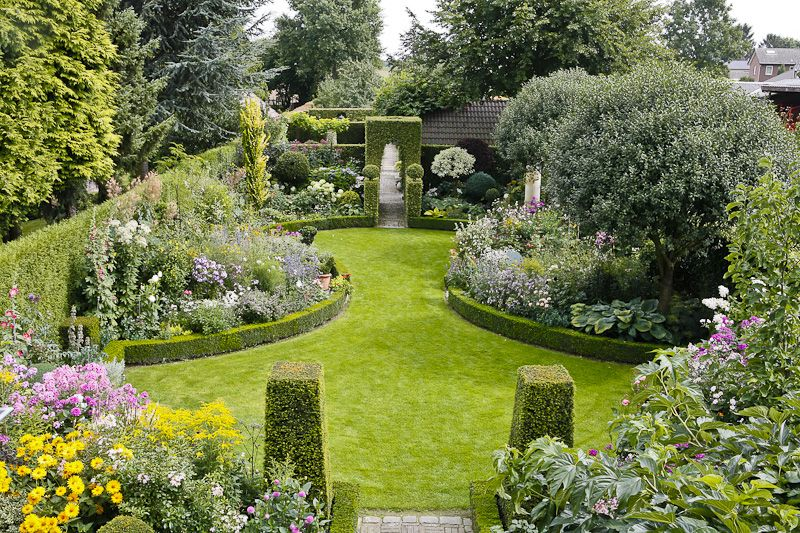 Volker Michael Focus On Garden Fine Photography With Images Beautiful Gardens Garden Design Garden Styles