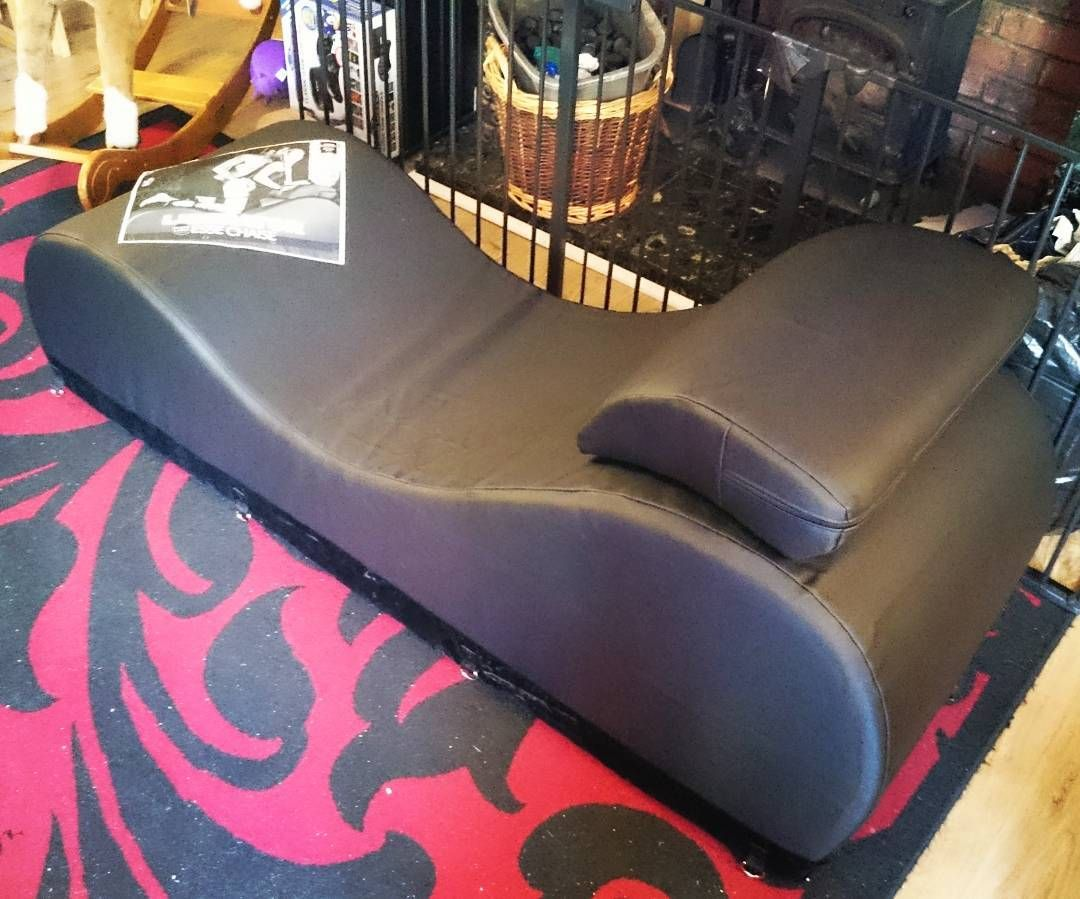 Liberator Bedroom Furniture The Liberator Black Label Esse Chaise Is Gorge Not Sure It Can