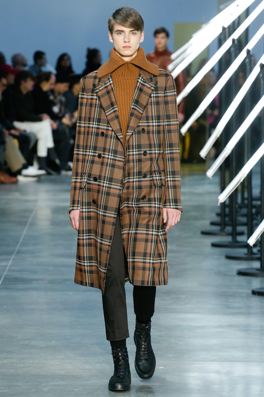 b56a285de20 Cerruti 1881 Fall 2018 Menswear Fashion Show in 2019   Menswear ...