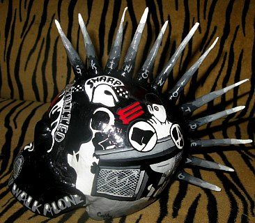 """ Punk and Skin united skull """