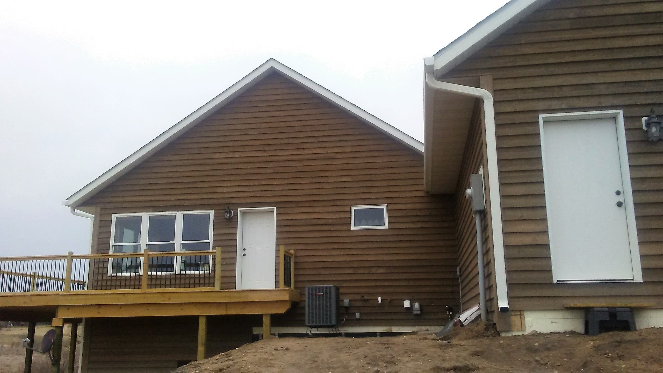 Leafguard Gutters Installed On New Construction In New London Minnesota Seamless Gutters Curb Appeal Installation