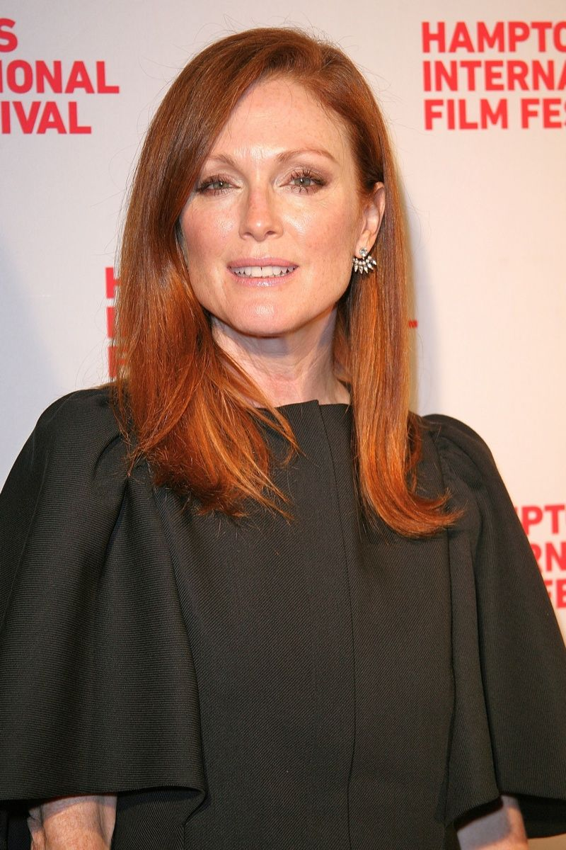 Oscar Winning Actress Julianne Moore Is Certainly One Of Hollywood S Most Famous Redheads Acting Since T Red Haired Actresses Ginger Actresses Dying Your Hair