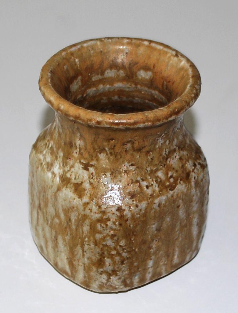 Edith Sonne-Bruun, Saxbo Denmark. Vase in stoneware.