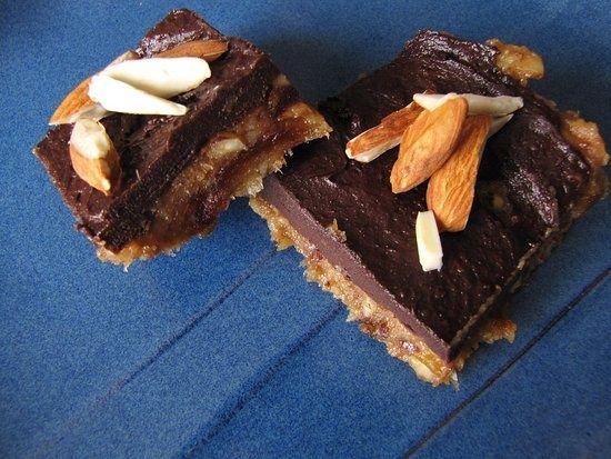 Banana chocolate almond squares (no baking and no sugar)