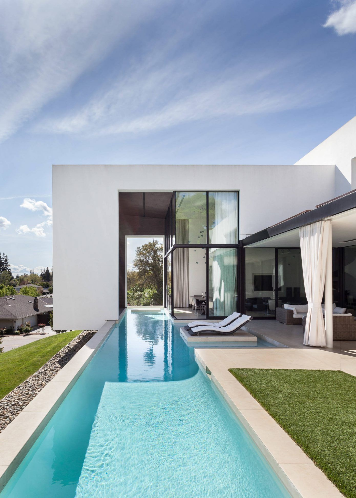 Modern Two Story Residence Homeadore Pool Patio Designs Modern Pools Architecture House Contemporary backyard design with pool