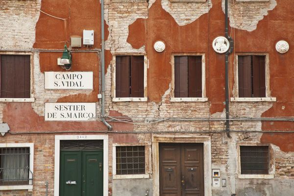 Photo of Photograph-Building facade, Venice, Italy-10″x8″ Photo Print made in the USA