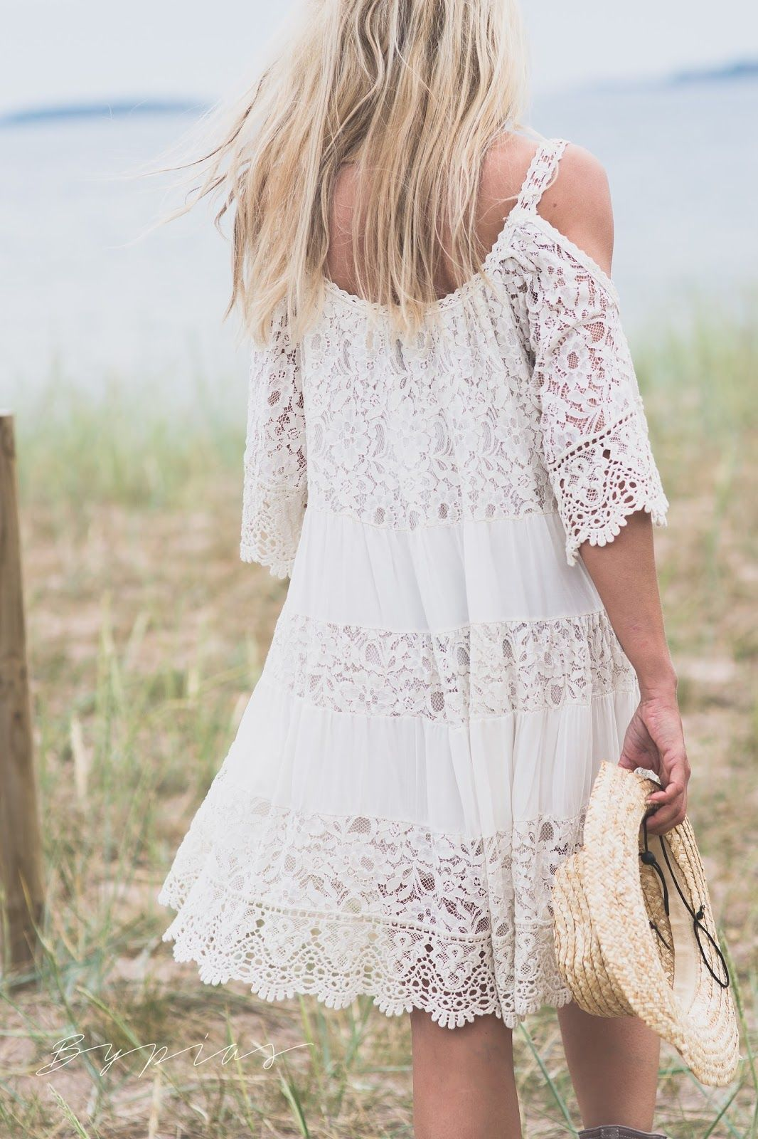 56a279ac26 I was so deeply inspired on my trip to Ibiza last spring. White lace,  cotton and linen combined with cool boho-style jewellery a.