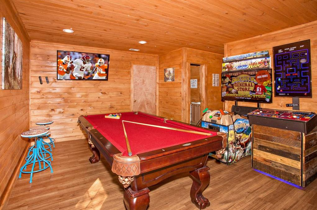 Smoky Mountain Bliss The Downstairs Game Room Area Has A Pool