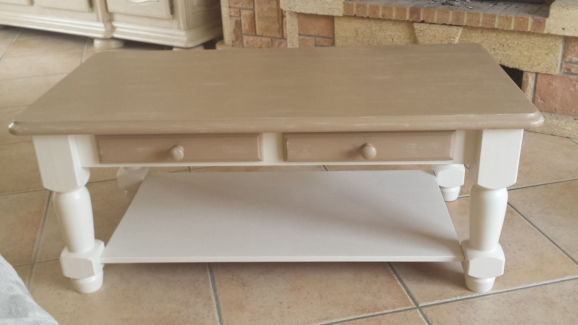 Service Relooking Table Basse Blanc Taupe Meubles Et Rangements Par Celydeco Relooking Mobilier De Salon Table Basse Bois Blanc Customiser Table Basse Ikea