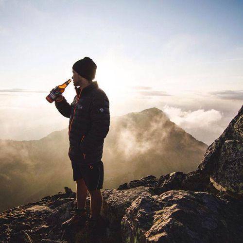 mountainhardwear:  Summit refreshments a la @adventuresdandb. Happy Friday! Get outside. #MHWambassadors http://ift.tt/1Dghsan