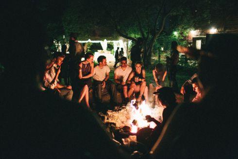 roasting marsmallows and socializing around fire | camrose hill flower farm | photo: www.ericlundgren.net