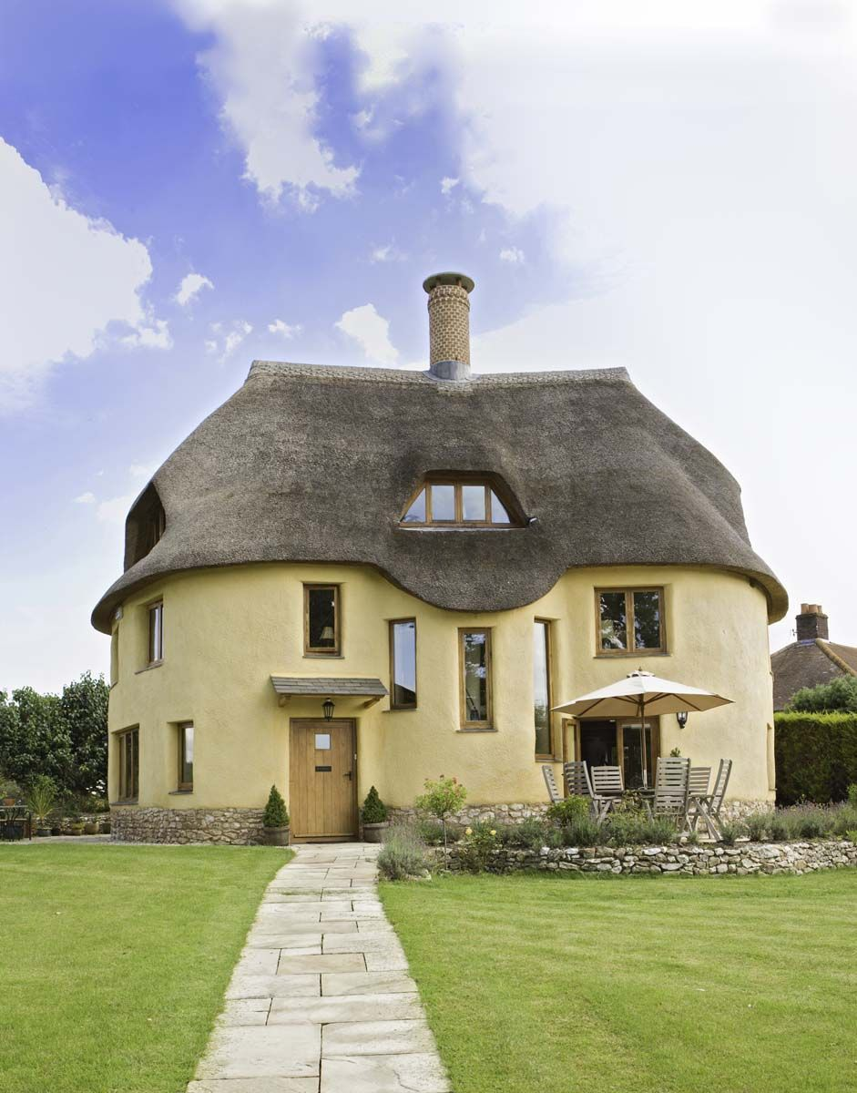 New Devon House In Traditional Cob By Kevin Mccabe Featured In Build It Magazine A R C H I T E C T U R E Pinterest Traditi Cob House Devon House House