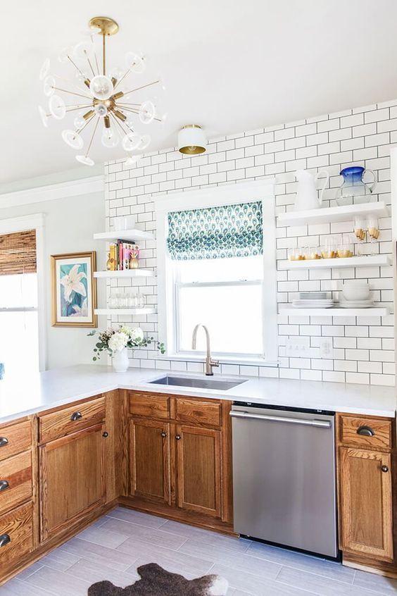 Tired Of Old Golden Oak Cabinets Sound Finish Cabinet Painting Refinishing Seattle Rental Kitchen Honey Oak Cabinets Oak Kitchen