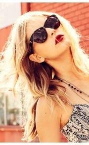 Love the dark red lips