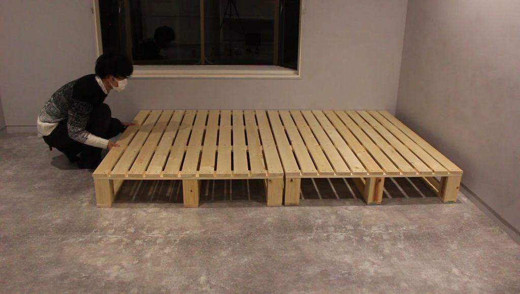 パレットベッドの作り方 Spf材と角材を組み立てて自作する Vol 35 Diy Magazine パレットベッド ベッド の 作り方 インテリア 家具