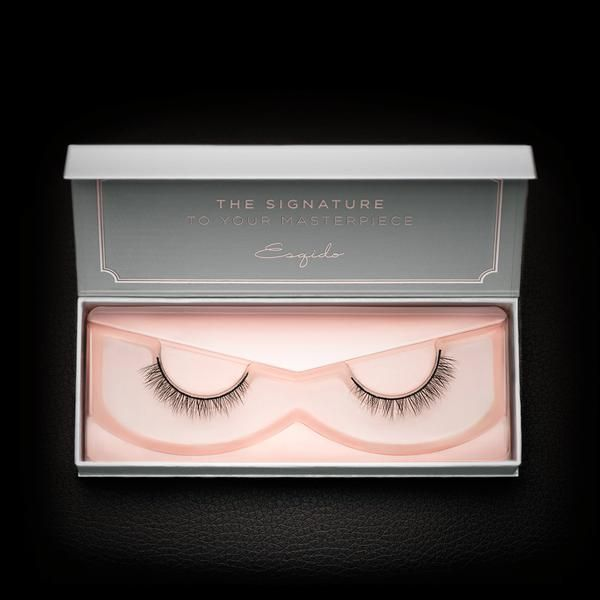 A soft and light lower lash style that adds the perfect amount of definition to your eyes, without too much drama. Kiss your mascara goodbye!