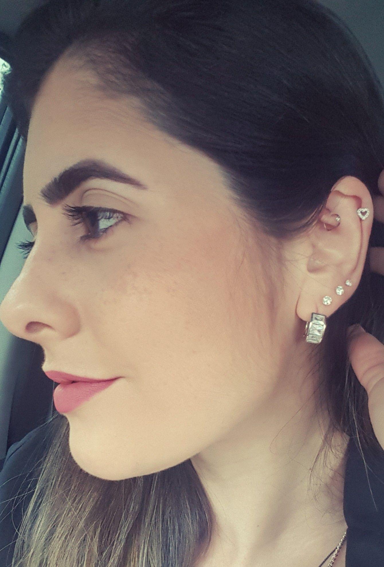 Nose piercing day 3  Piercing  Brincos  Pinterest  Piercings