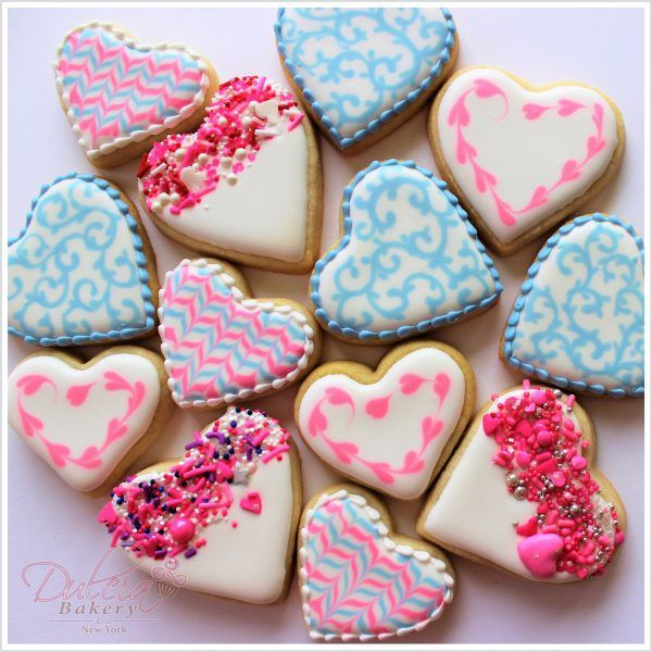 How To Decorate Easy Valentine S Day Cookies Valentine Cookies Valentine Sugar Cookies Decorated Cookies Tutorial