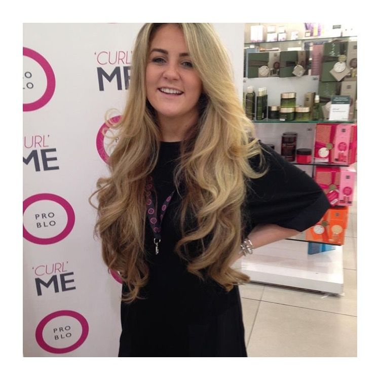 One of our gorgeous stylist's doing live demos at Fenwick Newcastle this week 💁🏼