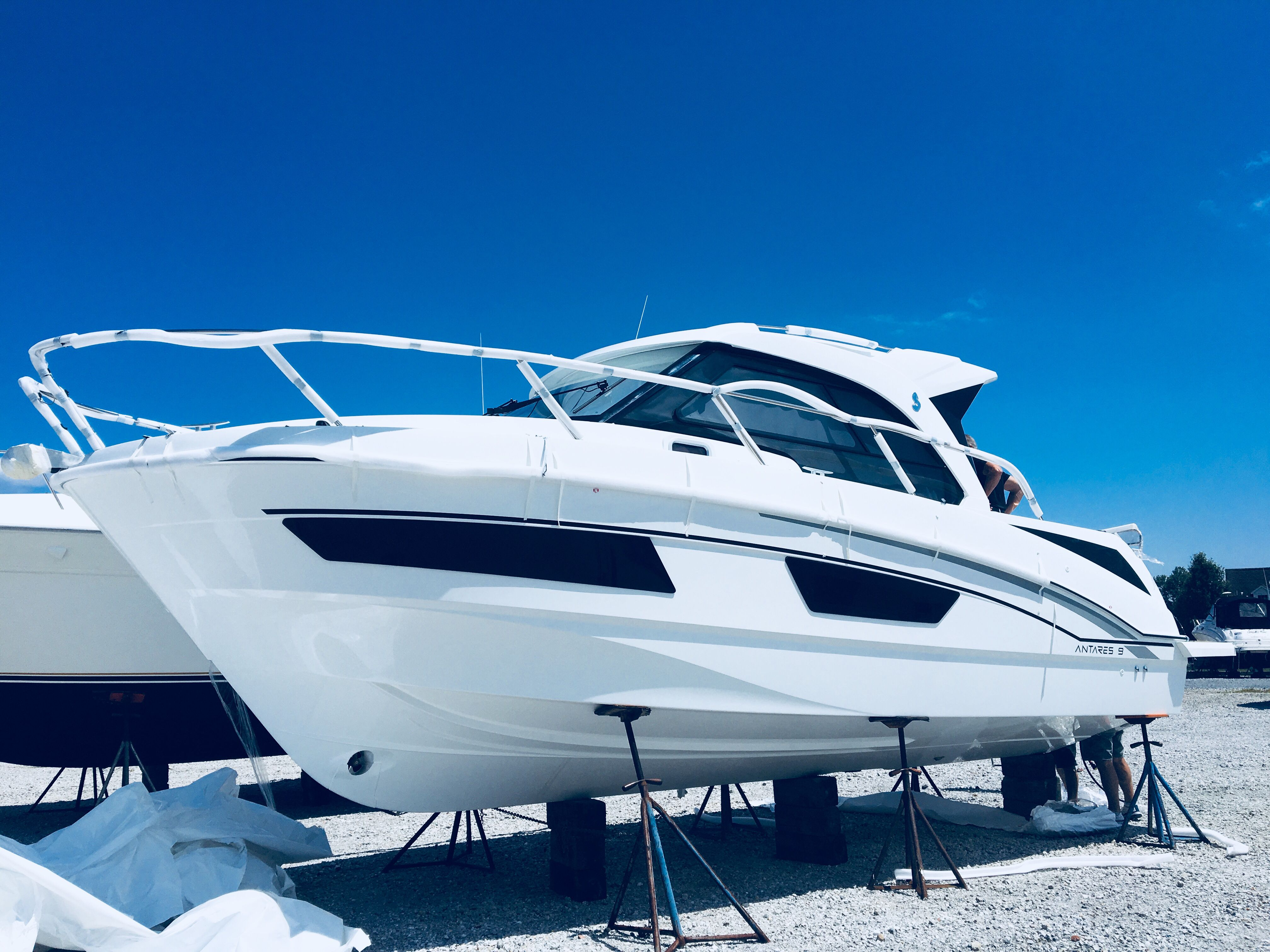 The Beneteau Antares Model Line Making Its North American Debut At