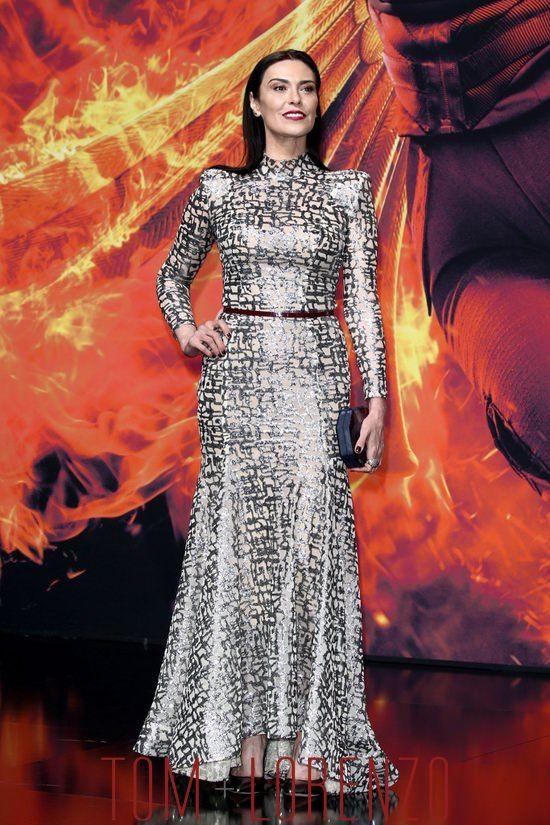 Michelle-Forbes-Hunger-Games-Mockingjay-Part-2-Berlin-Premiere-Fashion-Michael-Costello-Tom-Lorenzo-Site (6)