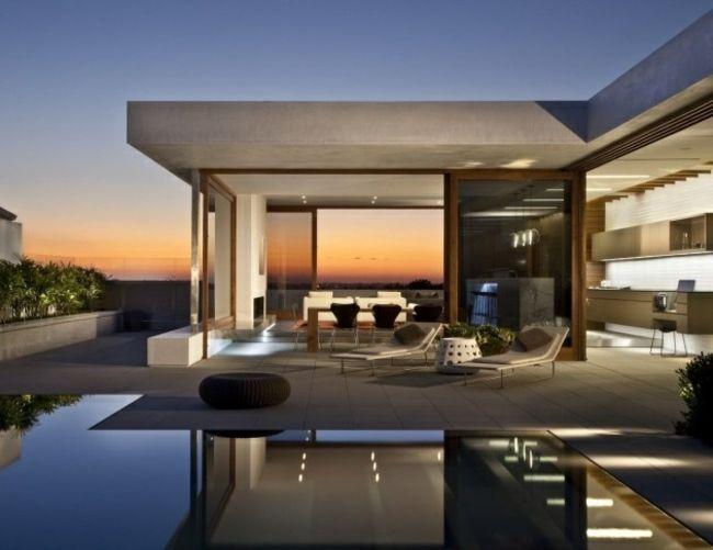 modernes Haus infinity Pool Abend Wasserspiegel | Haus mit Pool ...
